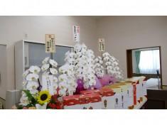 多方面から多数のお花、お祝いをいただきました。
