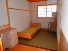 各部屋にベッド納品が完了しました。